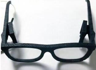 微软新AR曝光:近眼显示器直投全息影像