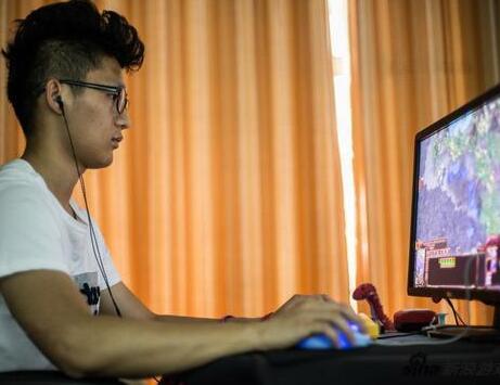 中学生调查:95%玩过网游 76%有过充值