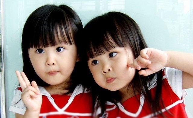 台湾超萌双胞胎长大了
