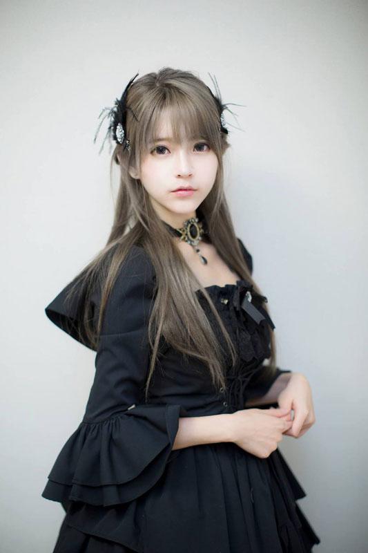 韩国美女yurisa可爱lolita图集