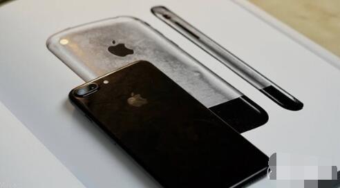 水滴设计!iPhone8将致敬乔布斯 你给几分