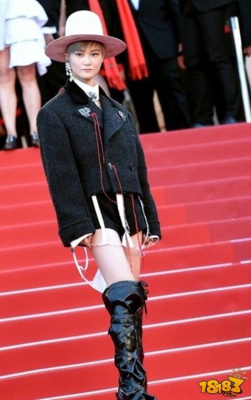 戛纳电影节迎70岁星光开幕式红毯手机熠熠ios生日电影电视上播放图片