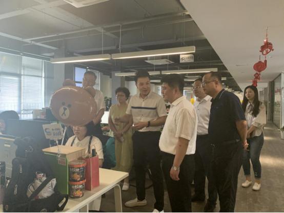 临洮代表团一行考察畅玩集团