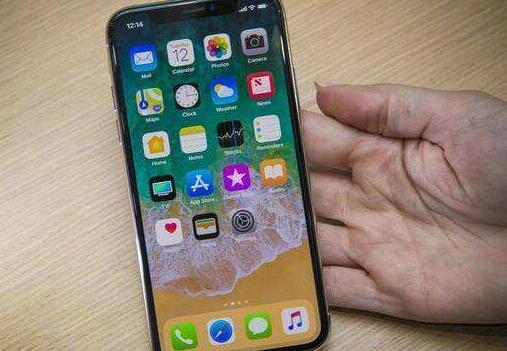 iPhone 8后盖一摔即碎 维修费比屏幕还高