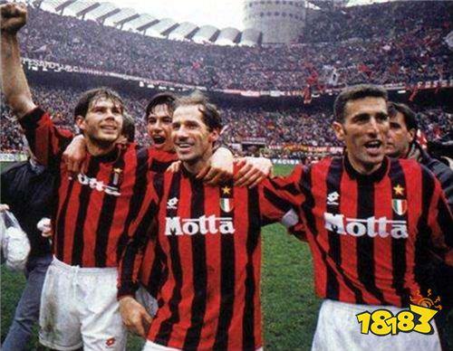 《实况足球》聚传奇!红黑军团传奇巨星巴雷西加入