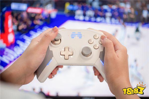 《NBA2K21》现已解锁 !北通宙斯游戏手柄爽快畅玩!