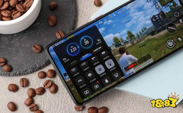 骁龙888性能加持,iQOO 7玩手机游戏体验不同以往