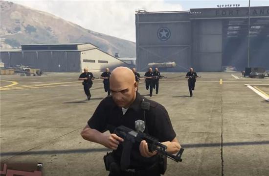 gta5导演模式可以进军事基地吗