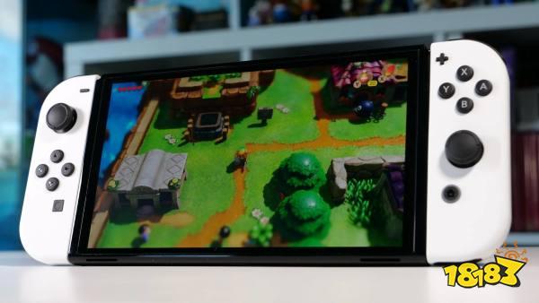 Switch OLED出厂自带保护膜 任天堂警告不要将其撕下